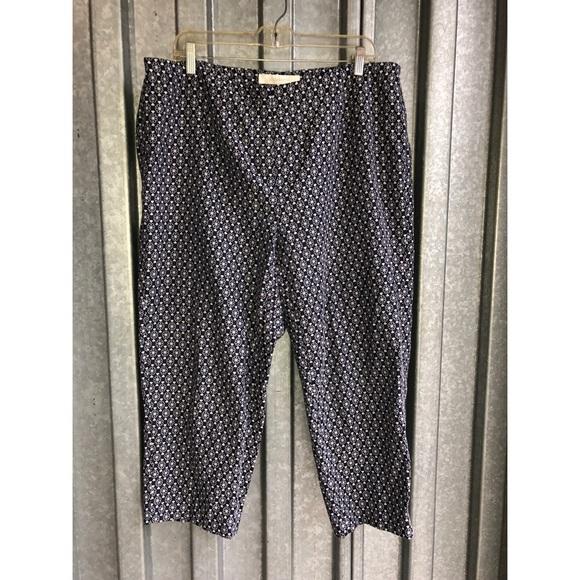 701b16cceac Liz Claiborne Pants - Liz Claiborne Plus Size Navy Floral Capri Sz 1X